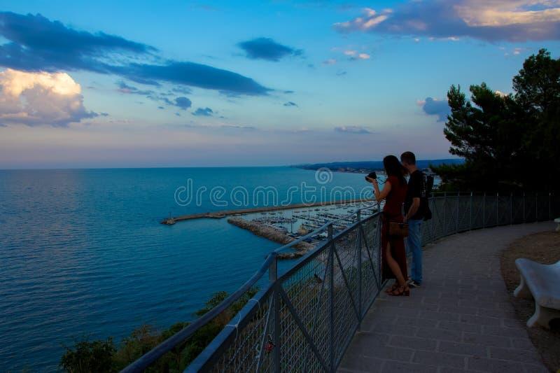 Vista na costa adriático em Numany, Itália imagens de stock royalty free