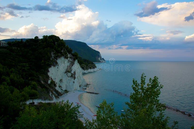 Vista na costa adriático em Numany, Itália foto de stock royalty free
