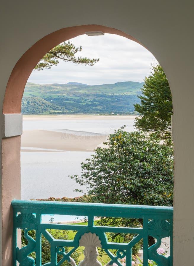 Vista na costa de Galês imagem de stock royalty free