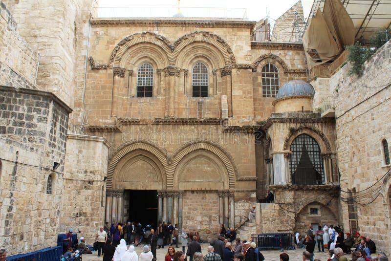 Vista na entrada principal à igreja do sepulcro santamente, Via Dolorosa, Jerusalém foto de stock royalty free