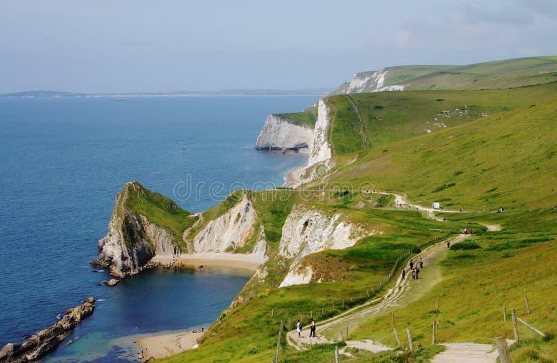 Vista na linha da costa em Inglaterra fotos de stock