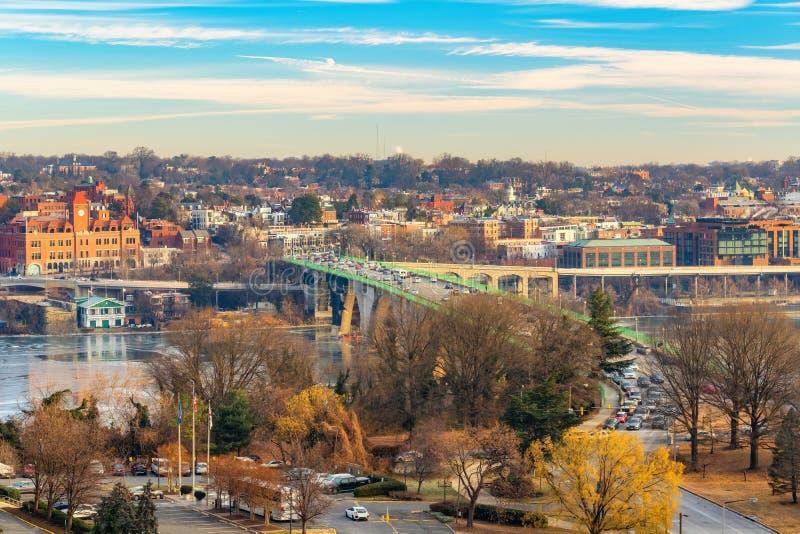 Vista na ponte chave no Washington DC na manhã do inverno imagem de stock royalty free