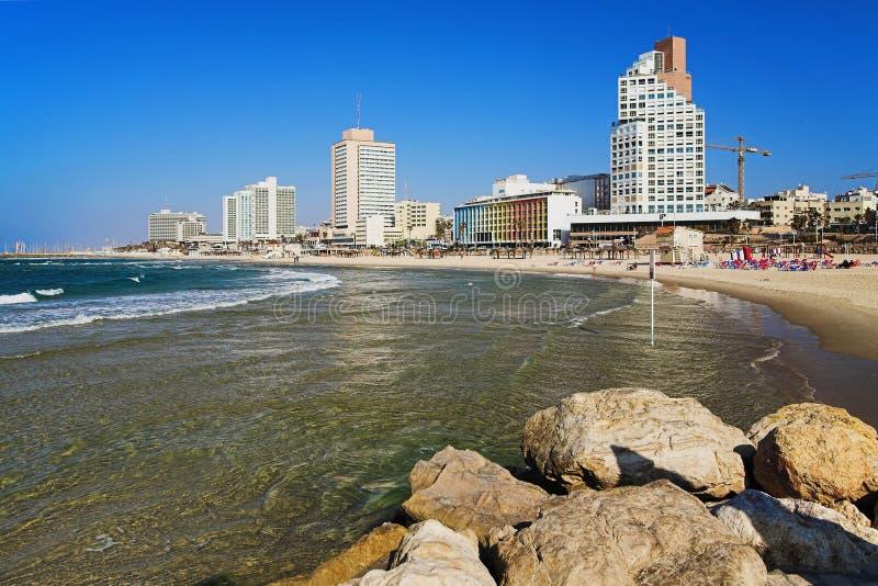 Vista na praia de Telavive fotografia de stock