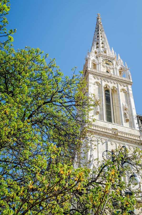 Vista na torre do St. Stephen Cathedral fotografia de stock