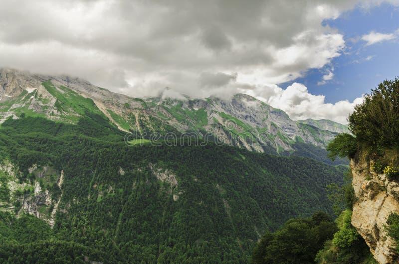 Vista nas montanhas na Espanha fotos de stock royalty free