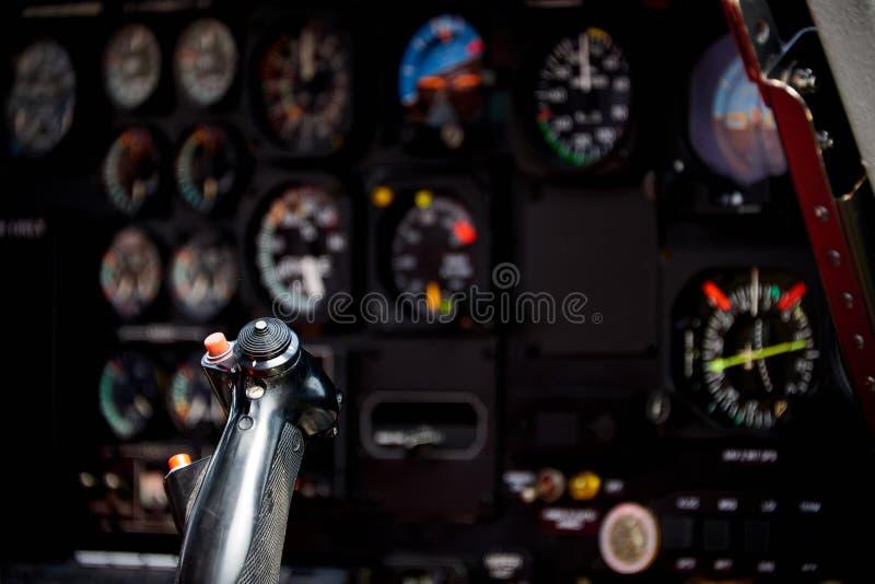 vista nella cabina di pilotaggio dell'elicottero immagini stock libere da diritti
