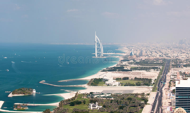 Vista no árabe do Al de Burj em Dubai, fotografia de stock royalty free