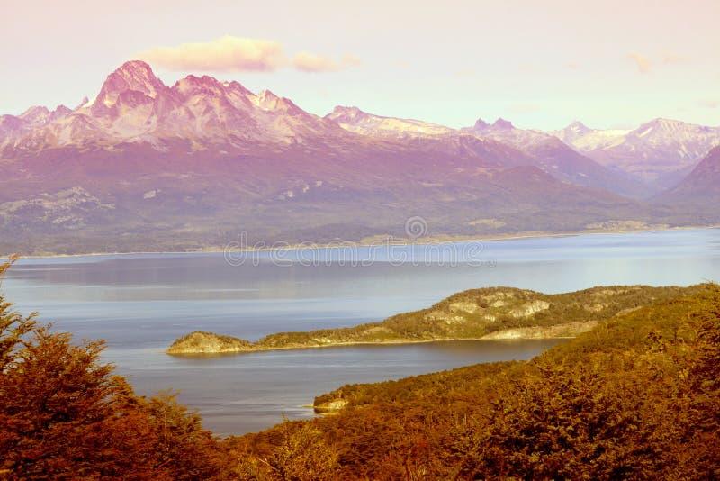 Vista no canal do lebreiro em Tierra del Fuego, Ushuaia, Argenti imagem de stock royalty free