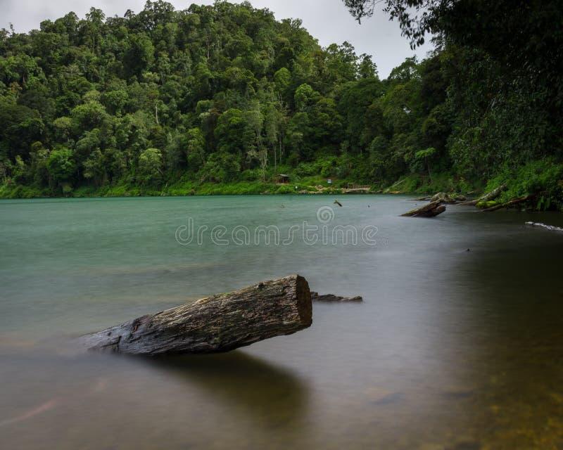 A vista no lago Danau Gunung Tujuh imagem de stock royalty free