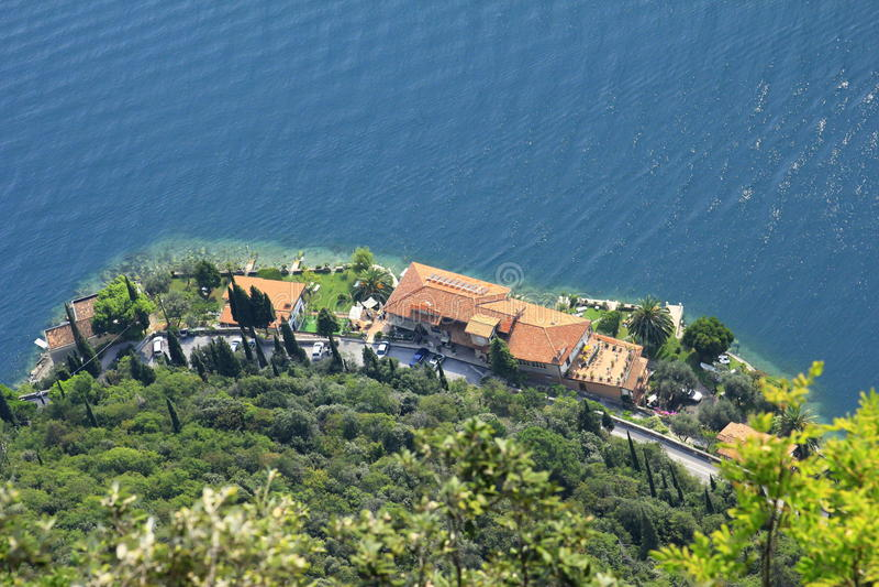 Vista no lago Garda fotos de stock royalty free