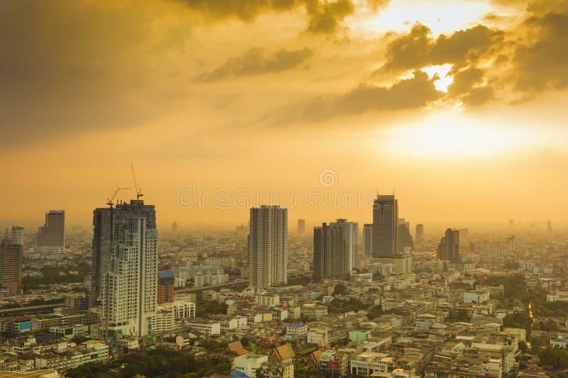 Vista no por do sol na cidade de Banguecoque imagem de stock royalty free