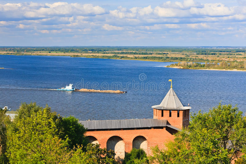 Vista no rio de Volga de Nizhny Novgorod Kremlin imagens de stock royalty free