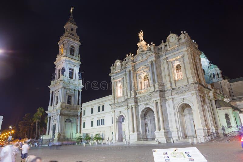 Vista nocturna de la capilla de nuestra señora de la catedral del rosario de Pompeya imagen de archivo libre de regalías