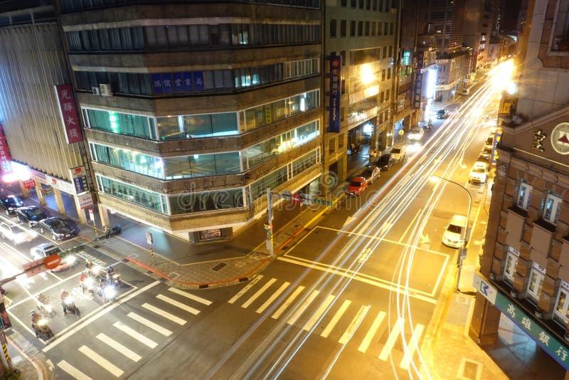 Vista nocturna del cruce de Taipei imagen de archivo libre de regalías