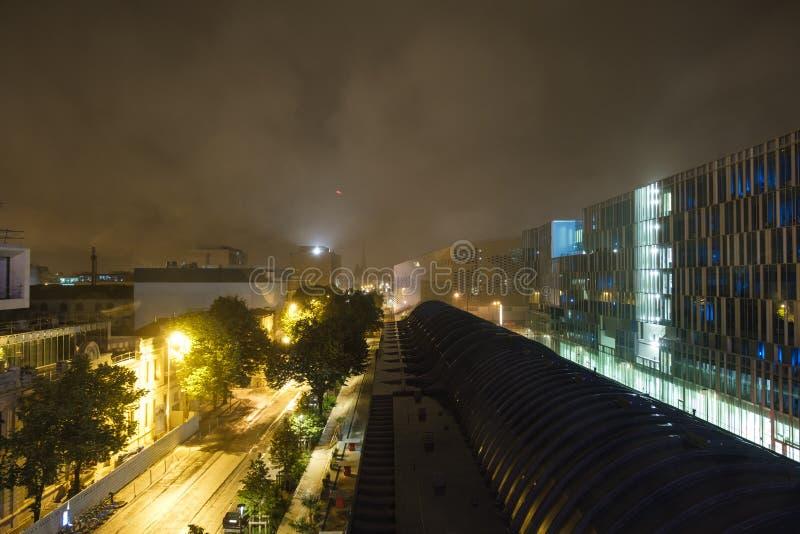 Vista nocturna en Burdeos, Francia foto de archivo