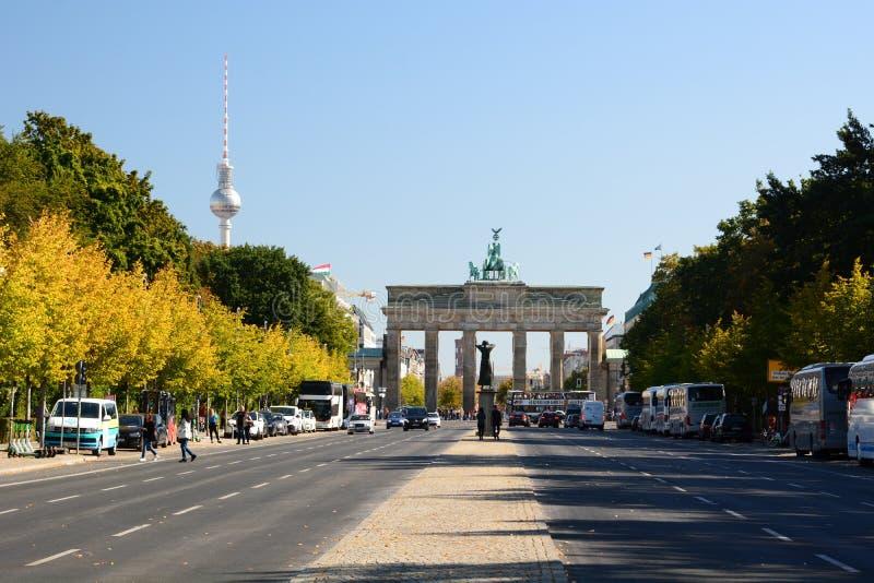 Vista oeste de la puerta de Brandeburgo. Berlín. Alemania fotos de archivo libres de regalías