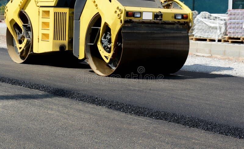 Vista orizzontale del primo piano di nuova strada asfaltata il 13 agosto 2015 immagini stock libere da diritti