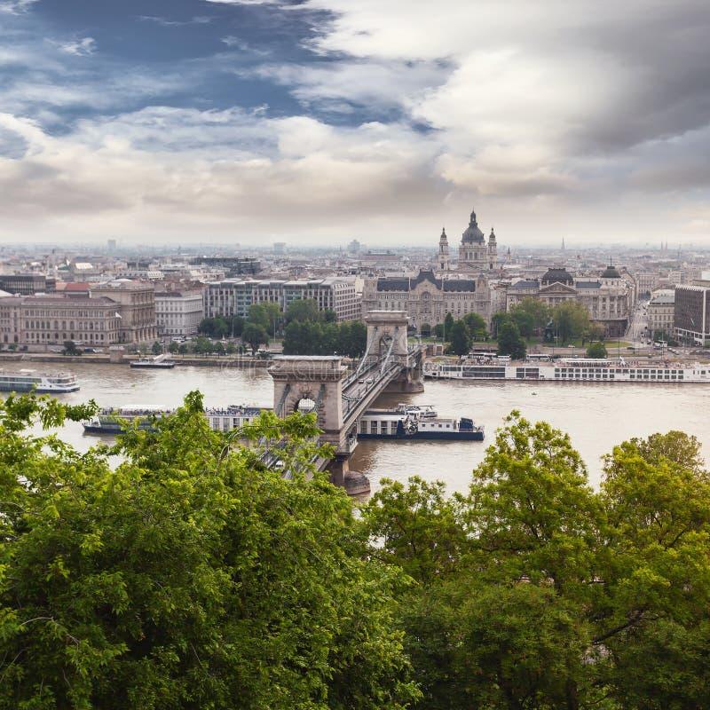 Vista panorámica de Budapest de la costa de Buda fotos de archivo libres de regalías