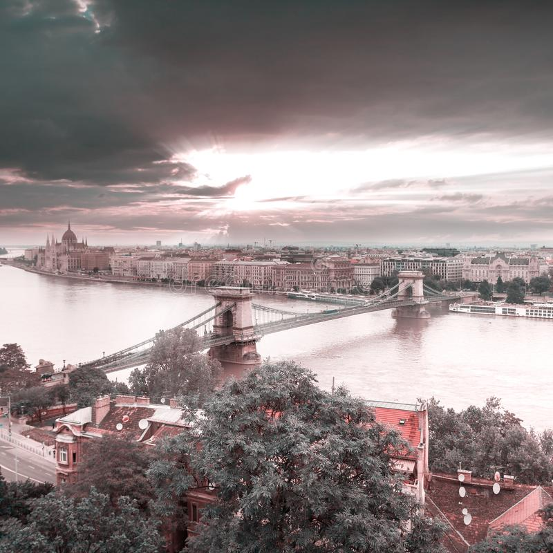 Vista panorámica de Budapest de la costa de Buda foto de archivo