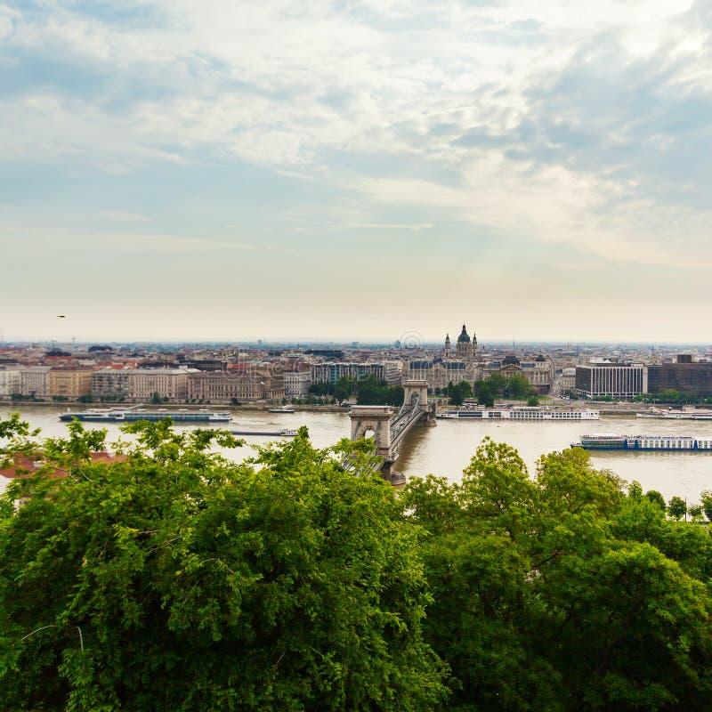 Vista panorámica de Budapest de la costa de Buda imagen de archivo