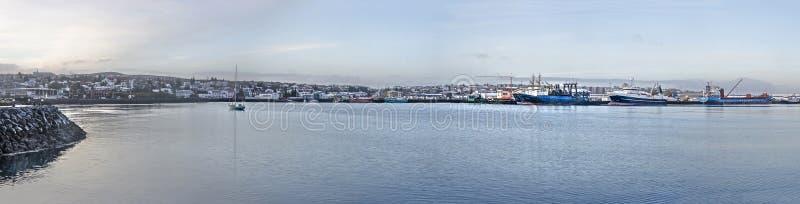 Vista panorámica de Hafnarfjordur imagenes de archivo