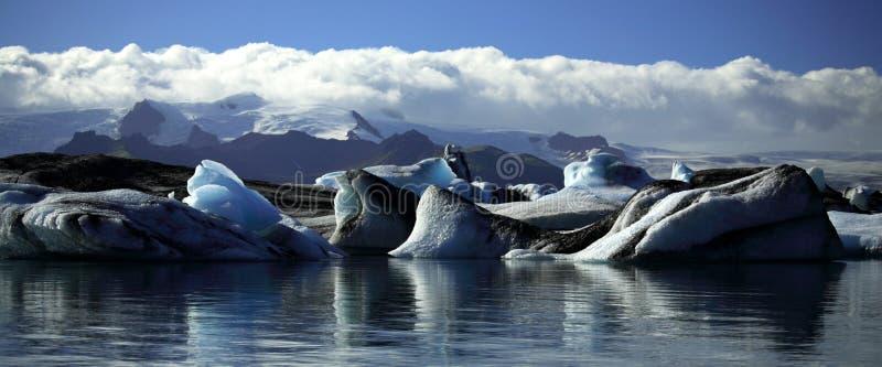 Vista panorámica de icebergs y de glaciares foto de archivo libre de regalías