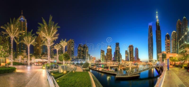 Vista panorámica de la bahía del puerto deportivo de Dubai, Dubai, UAE fotos de archivo