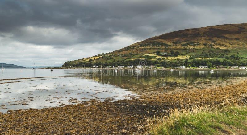 Vista panorámica de la bahía de la isla de Arran escocia fotografía de archivo libre de regalías