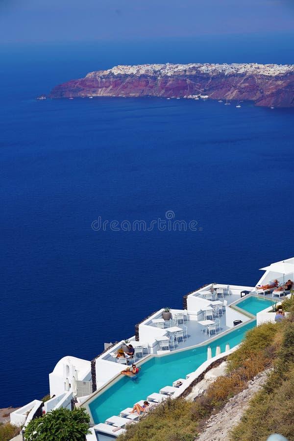 Vista panorámica de la caldera en Santorini fotos de archivo libres de regalías