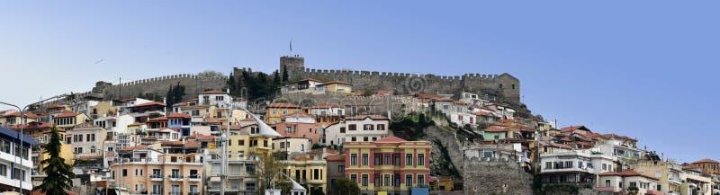 Vista panorámica de la ciudad antigua de Kavala, Grecia imágenes de archivo libres de regalías