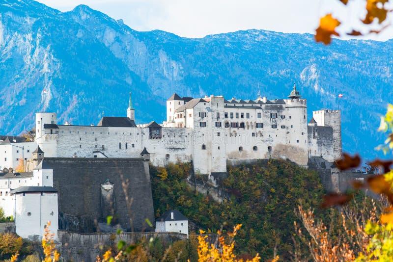 Vista panorámica de la ciudad histórica de Salzburg fotografía de archivo libre de regalías