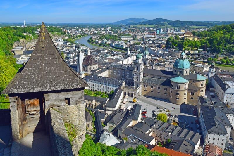Vista panor?mica de la ciudad hist?rica de Salzburg, Austria imágenes de archivo libres de regalías