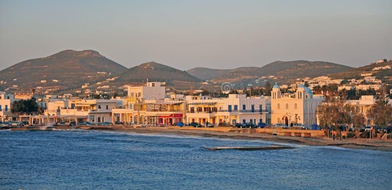 Vista panorámica de la ciudad de Parikia, isla de Paros, Grecia foto de archivo