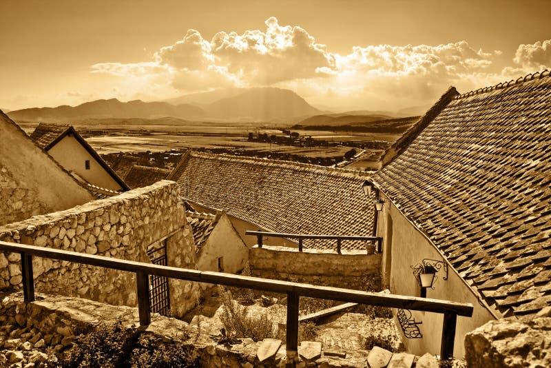 Vista panorámica de la ciudad rural antigua fotos de archivo