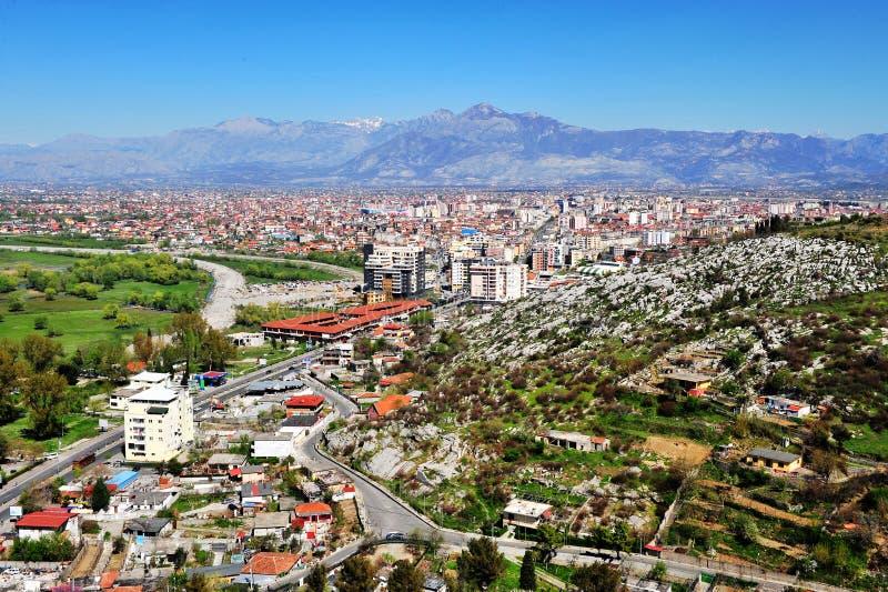 Vista panorámica de la ciudad de Shkoder fotos de archivo libres de regalías
