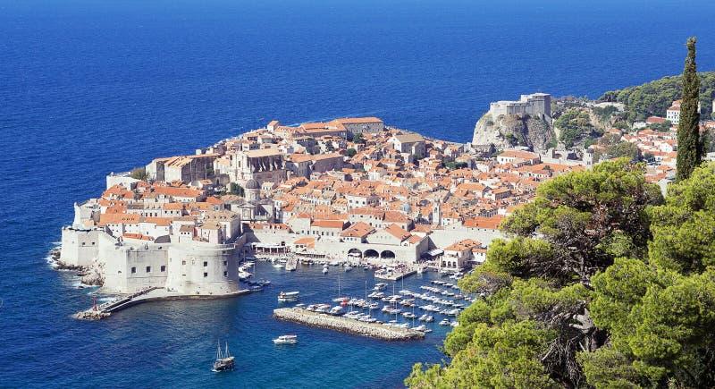 Vista panorámica de la ciudad vieja Dubrovnik, Croacia imagen de archivo