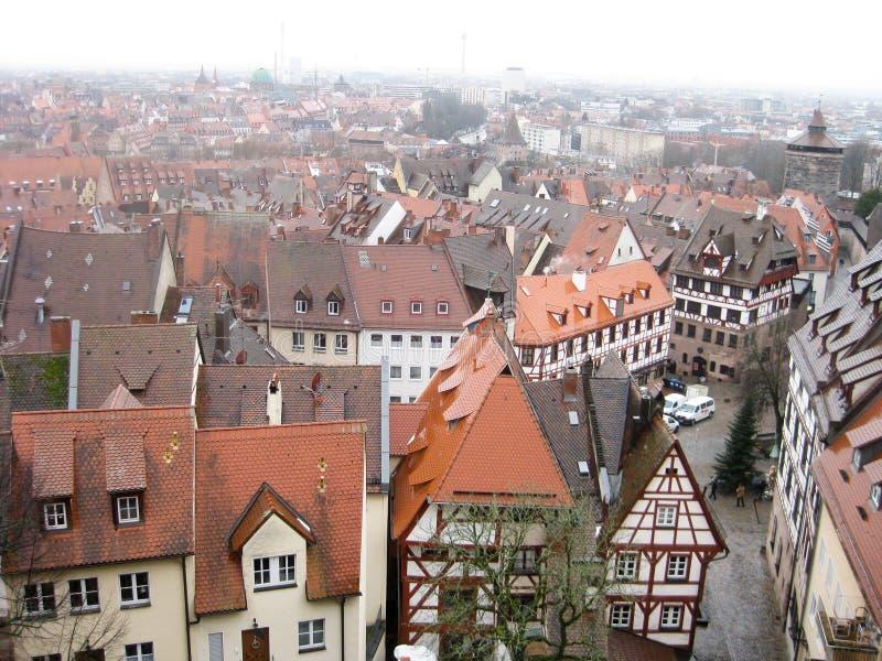 Vista panorámica de la ciudad vieja de Nuremberg en invierno fotografía de archivo