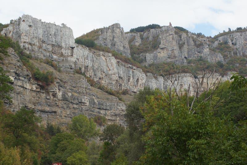 Vista panorámica de la garganta de Iskar, montañas balcánicas, Bulgaria fotografía de archivo
