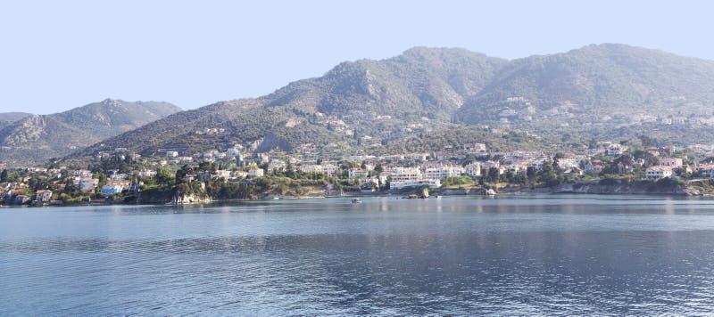 Vista panorámica de la isla de Milos en el Mar Egeo Islas griegas del viaje imagen de archivo libre de regalías