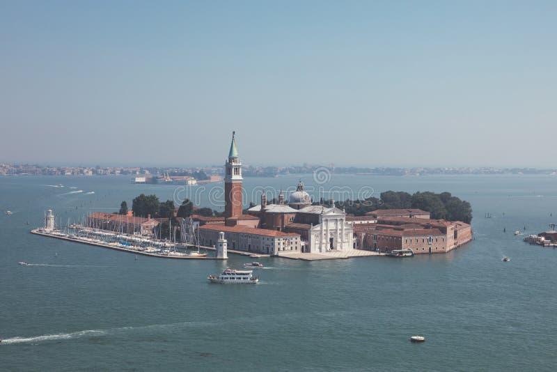 Vista panorámica de la isla San Giorgio Maggiore desde el Campanile de San Marcos foto de archivo