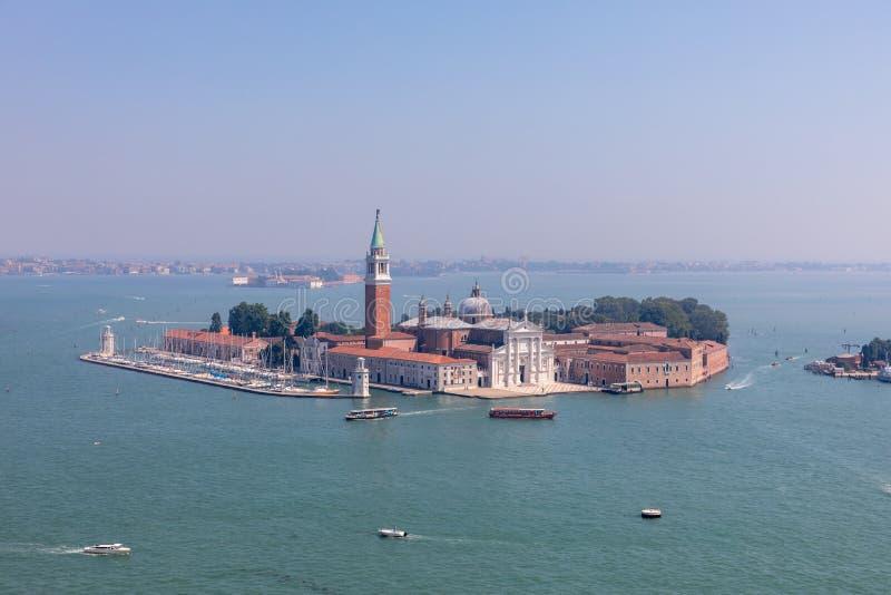 Vista panorámica de la isla San Giorgio Maggiore desde el Campanile de San Marcos fotos de archivo