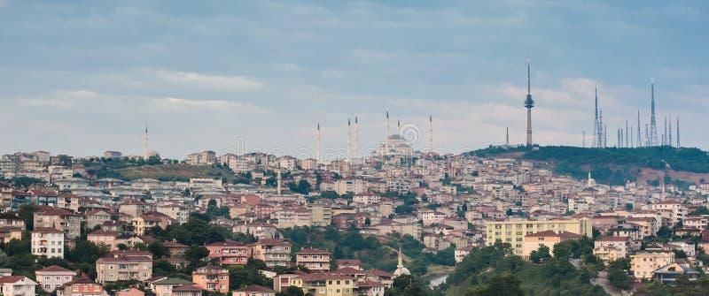 Vista panorámica de la mezquita azul y de la ciudad vieja de Estambul imagen de archivo