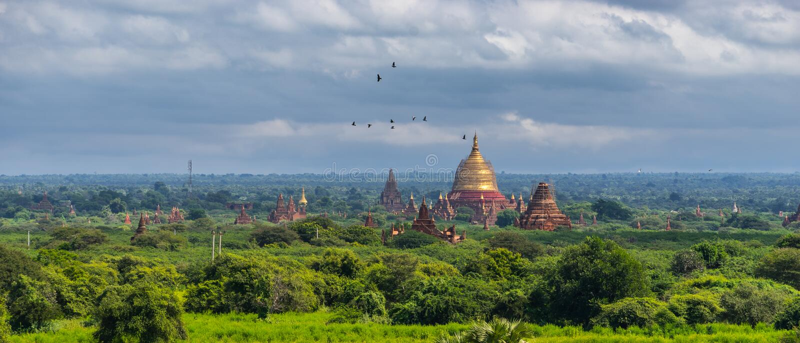 Vista panorámica de la pagoda de Dhammayangyi, señal de Bagan, Mandal fotografía de archivo libre de regalías
