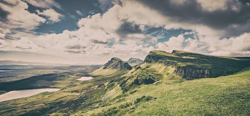 Vista panorámica de la parte del noroeste de la colina de Quiraing, isla de Skye, fotos de archivo libres de regalías