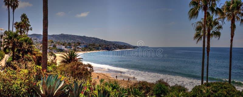 Vista panorámica de la playa principal, Laguna Beach fotografía de archivo