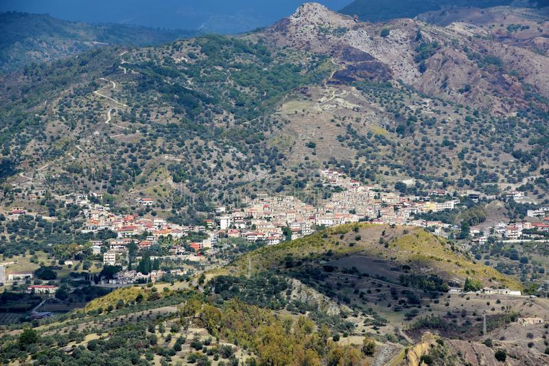 Vista panorámica de las montañas de Aspromonte en Italia meridional imágenes de archivo libres de regalías