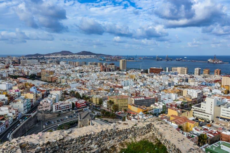 Vista panorámica de Las Palmas de Gran Canaria en un día nublado imagen de archivo