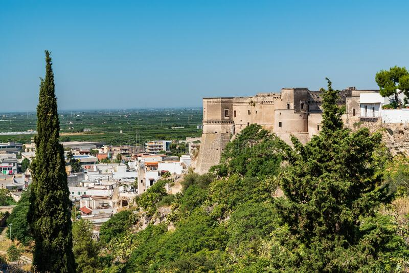 Vista panorámica de Massafra Puglia Italia fotografía de archivo