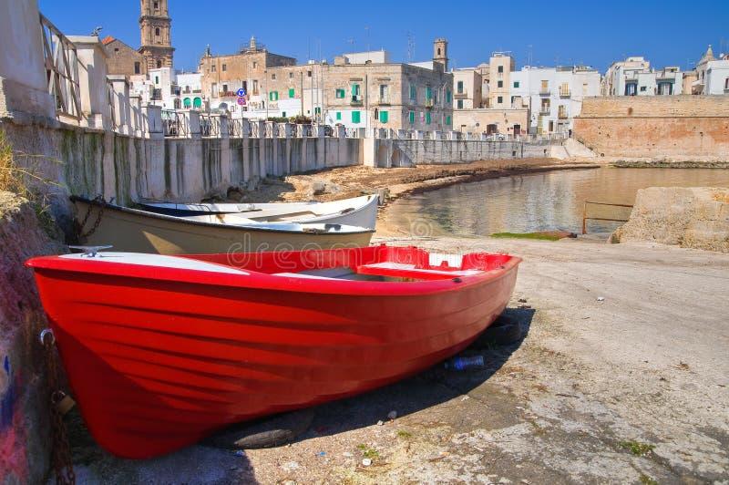 Vista panorámica de Monopoli. Puglia. Italia. imagenes de archivo