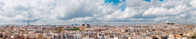 Vista panorámica de París del edificio del museo del Centre Pompidou imagen de archivo libre de regalías